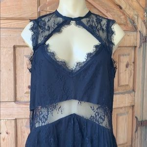 Beautiful Sexy Lace Tobi dress NWT L